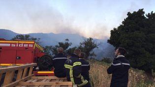 Deux Canadair en intervention sur l'incendie d'Ogliastro dans le Cap Corse, vendredi 11 août 2017. (Haute-Corse). (A.BOUZIRI / FTVIASTELLA)