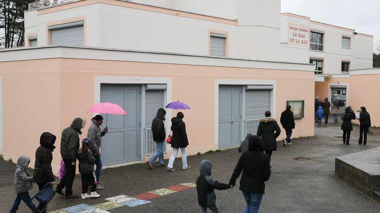 L'école du Mas de la Raz à Villefontaine (Isère), dont le directeur a été mis en examen pour viols sur mineurs, le 25 mars 2015. (  MAXPPP)