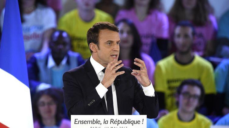Emmanuel Macron lors de son meeting à La Villette, à Paris, le 1er mai 2017. (ERIC FEFERBERG / AFP)