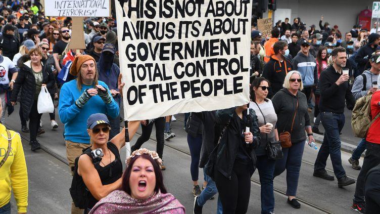 Des manifestants anti-confinement à Melbourne (Australie), le 18 septembre 2021. (WILLIAM WEST / AFP)