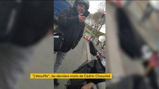 Cédric Chouviat film des policiers avant l'arrestation qui lui a été fatale (FRANCEINFO)