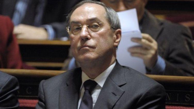 Claude Guéant, ministre le l'Intérieur, le 8 décembre 2011 au Sénat. (BERTRAND GUAY / AFP)