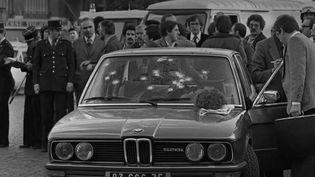 Il y a 41 ans jour pour jour, le fugitif Jacques Mesrinedécédait à Paris après avoir été longuement traqué par les autorités. Retour sur la fin de cavale de l'ennemi public numéro un. (France 2)