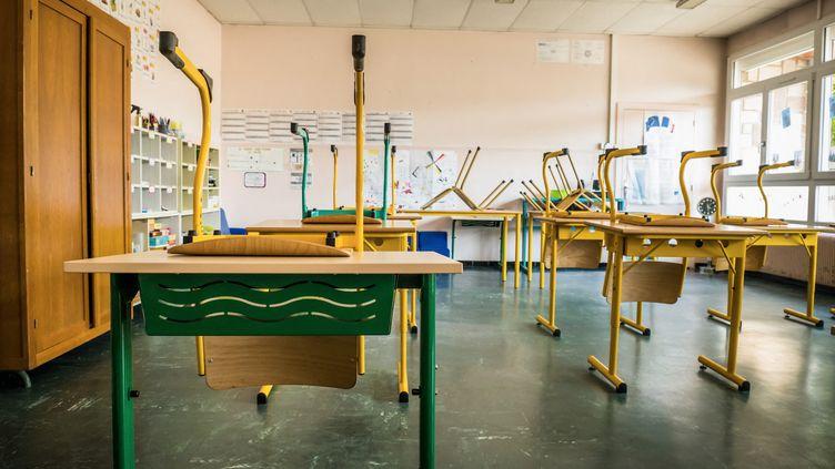 Covid-19 : Désinfection de l'école primaire de Luxeuil-les-Bains (Haute-Saône) avant la reprise. (JEAN-FRANCOIS FERNANDEZ / RADIO FRANCE)
