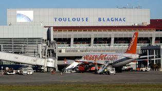 Un avion sur le tarmac de l'aéroport de Toulouse-Blagnac, le 27 octobre 2014. (MAXPPP)