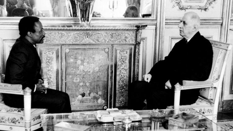Rencontre d'Omar Bongo, président du Gabon avec le Général De Gaulle à Paris le 5 janvier 1968 (STF / AFP)