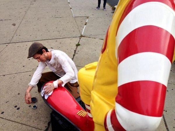 Ronald McDonald's dans une version écrasante.  (Banksy)