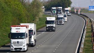 Comme de nombreux secteurs économiques, le tranport routier a été touché par les mesures de confinement. (photo d'illustration) (FRED HASLIN / MAXPPP)