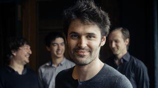 Le pianiste Paul Lay. À l'arrière-plan, Dré Pallemaerts (batterie), Antonin-Tri Hoang (saxophone), Clemens Van der Feen (contrebasse)  (Jean-Baptiste Millot)