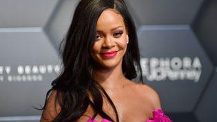 La chanteuse Rihanna lors d'une campagne de promotion chez Sephora, à New York, le 14 septembre 2018. (ANGELA WEISS / AFP)