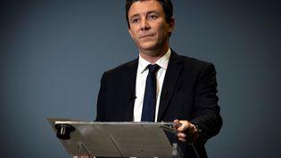 Le candidat LREM à la mairie de Paris, Benjamin Griveaux, annonce son retrait, le 14 février 2020, au siège de l'AFP à Paris. (LIONEL BONAVENTURE / AFP)