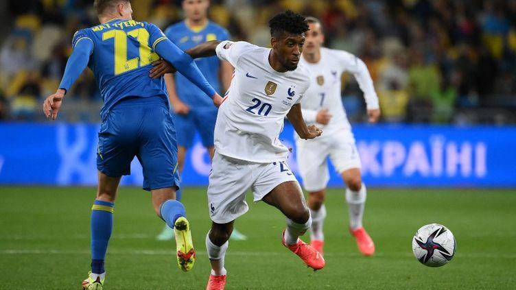 L'ailier Kingsley Coman était de retour dans le onze titulaire de l'équipe de France, samedi 4 septembre, lors de la rencontre face à l'Ukraine (1-1). (FRANCK FIFE / AFP)
