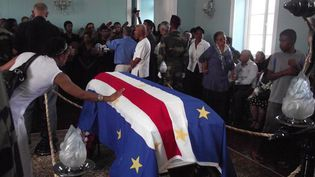 L'hommage à Cesaria Evora à Mindelo (20/12/11)  (AFP / STR)