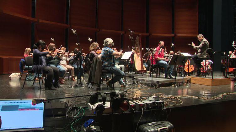 L'Orchestre Dijon Bourgogne s'entraîne pour l'enregistrement du disque hommage à Astor Piazzolla. (France 3 Dijon)