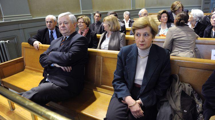 """Ghislaine Marchand- de Vedrines, l'une des """"reclus de Monflanquin"""", le 22 avril 2013 à Bordeaux, lors de l'ouverture du procès en appel de Thierry Tilly. (MEHDI FEDOUACH / AFP)"""