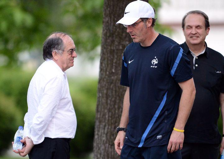 Le sort de Laurent Blanc (à droite) repose entre les mains du président de la FFF, Noël Le Graët (à gauche). (FRANCK FIFE / AFP)