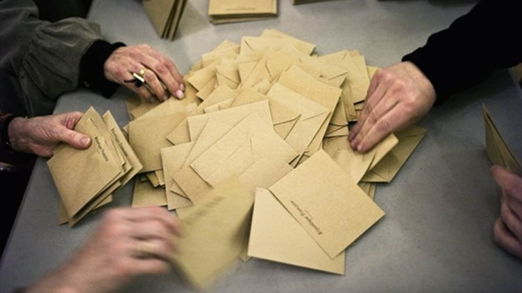 Lors du premier tour des élections cantonales, l'abstention a atteint un taux record de 55,63%. (AFP - Jeff Pachoud)