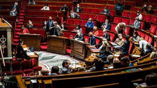 L'hémicycle de l'Assemblée nationale à paris, le 25 mai 2021. (XOSE BOUZAS / HANS LUCAS / AFP)