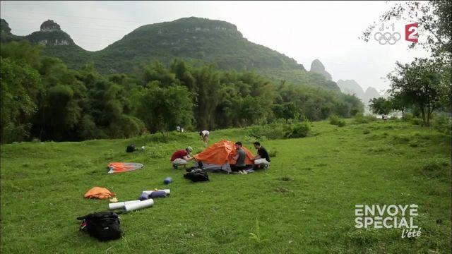 Envoyé spécial l'été. Le camping en Chine, ça se mérite !