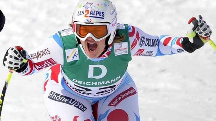 La Française Marion Rolland est devenue championne du monde de descente de ski alpin le 10 février 2013 àSchladming (Autriche). (SAMUEL KUBANI / AFP)