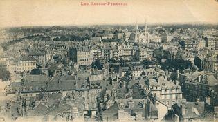 Le recto de la carte postale de Pau envoyée à Guillaume Apollinaire en 1918.  (Auktionshaus Christoph Gärtner G / AFP)