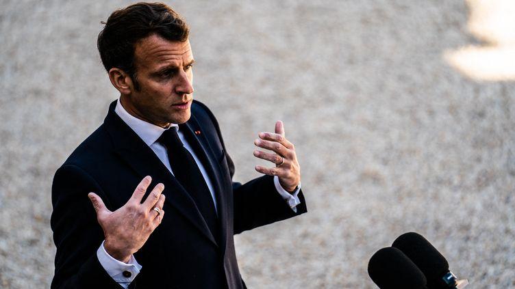 Le président de la République Emmanuel Macron à l'Elysée, le 27 avril 2021. (XOSE BOUZAS / HANS LUCAS / AFP)