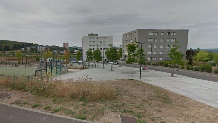La rue Georges-André, dans le quartier des Boutardes,à Vernon (Eure), où a lieu une bagarre impliquant plusieurs dizaines de personnes dans la nuit du samedi 24 audimanche 25 juin 2017. (GOOGLE MAPS)