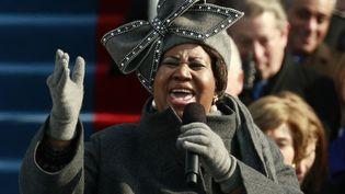 Aretha Franklin chante le 20 janvier 2009, lors de la cérémonie d'investiture de Barack Obama à Washington (Etats-Unis). (JASON REED / X00458)