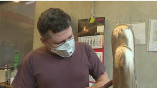 Feuilleton : artisans aux mains d'argent (1/5) (France 2)