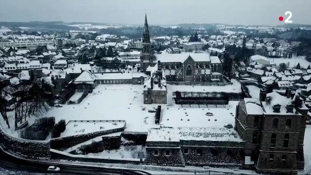 Intempéries : les Bretons profitent de chutes de neige exceptionnelles