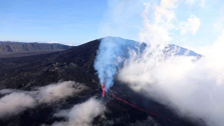 Vu sur le Piton de la Fournaise, sur l'île de la Réunion, le 14 juillet 2017. (Photo d'illustration) (RICHARD BOUHET / AFP)