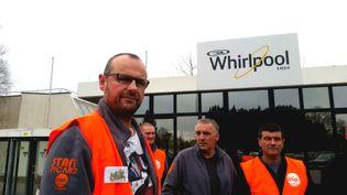 Frédéric Chantrelle (à gauche) et Patrice Sinoquet (à droite),délégués CFDT à l'usine Whirlpool d'Amiens, en mars 2017 (BENJAMIN ILLY / RADIO FRANCE)