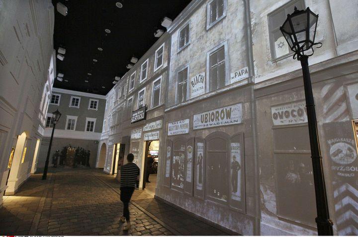 A l'intérieur du Musée de l'histoire des Juifs de Pologne  (Czarek Sokolowski/AP/SIPA)
