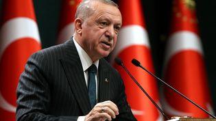 Le président turcRecep Tayyip Erdogan lors d'une conférence de presse, à Ankara, la capitale de la Turquie, le 24 août 2020. (ADEM ALTAN / AFP)
