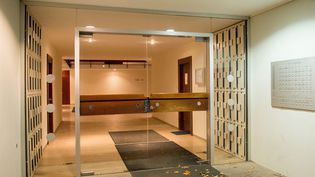 L'entrée de l'immeuble munichois où on a retrouvé 1500 oeuvres d'art (4 novembre 2013)  (Marc Müller / EPA / MAXPPP)