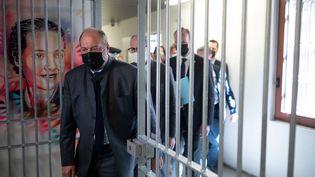 Le ministre de la Justice Eric Dupond-Moretti à la prison de la Santé, à Paris, le 27 avril 2021. (MARTIN BUREAU / AFP)