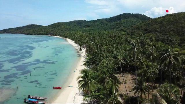 Thaïlande : à la découverte de la plage paradisiaque de l'île de Koh Tan
