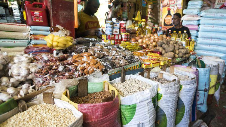 Sur le marché du Kermel à Dakar, le 14 septembre 2016 (AFP - XAUME OLLEROS / ANADOLU AGENCY)