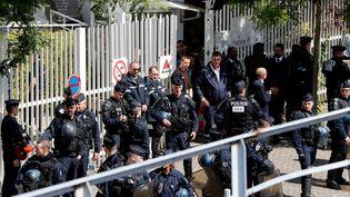 DesCRSpostés devant la Maison des examens d'Arcueil(Val-de-Marne), le 11 mai 2018. (FRANCOIS GUILLOT / AFP)