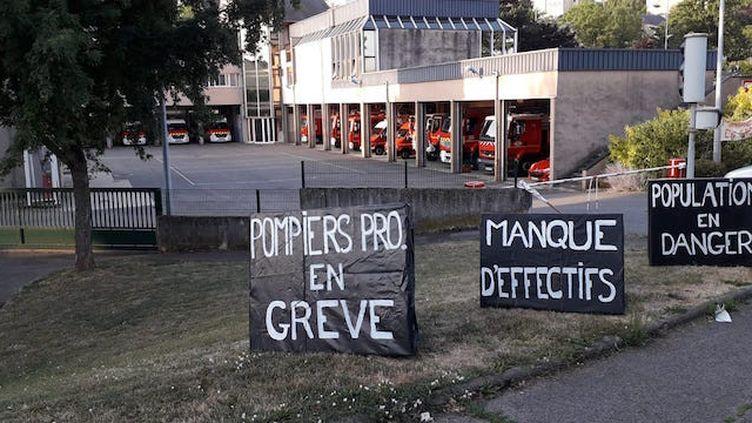 Les sapeurs-pompiers professionnels sont en grève depuis le 26 juin (© CGT SDIS 12 sur Facebook)