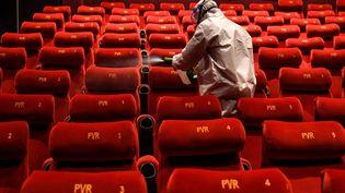 Comparé à l'été dernier, les cinémas français observent une diminution de 73% de leurs entrées. (PRAKASH SINGH / AFP)