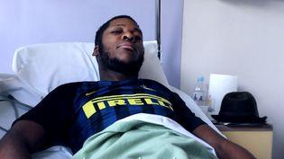 """Capture d'écran d'une vidéo du """"Parisien"""" dans laquelle Théo s'exprime depuis l'hôpital d'Aulnay-sous-Bois (Seine-Saint-Denis), le 7 février 2017. (LE PARISIEN / FRANCEINFO)"""