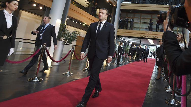 Le président de la République Emmanuel Macron arrive au Parlement européen à Strasbourg, samedi 1er juillet 2017, pour la cérémonie d'hommage à Helmut Kohl. (SEBASTIEN BOZON / AFP)
