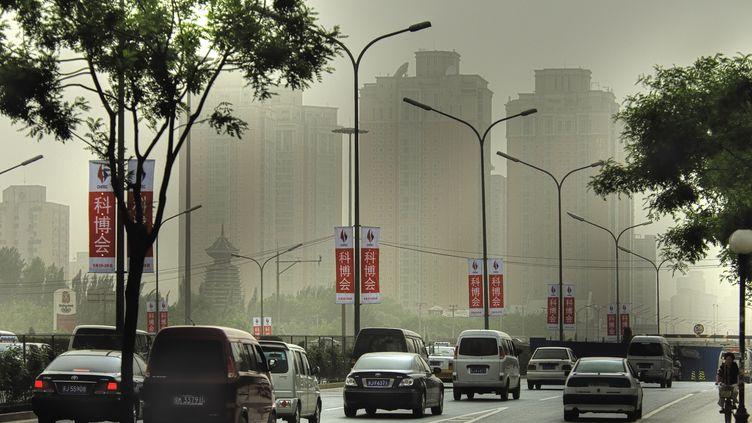 Une artère de Pékin (Chine), en décembre 2011. (SIEGFRIED MARTIN / BILDERBERG / AFP)