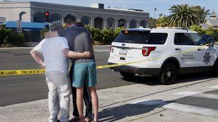 Un homme a ouvert le feu sur une synagogue de Poway, en Californie (Etats-Unis), samedi 27 avril 2019, tuant une personne et en blessant trois autres. (SANDY HUFFAKER / AFP)