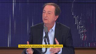 """Michel-Edouard Leclerc, président de l'enseigne de grande distribution E. Leclerc, était l'invité du """"8h30 franceinfo"""" mardi 26 janvier. (FRANCEINFO / RADIOFRANCE)"""