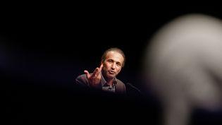 L'islamologue Tariq Ramadan lors d'une conférence organisée à Bordeaux (Gironde), le 26 mars 2016. (MAXPPP)