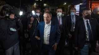 Armin Laschet, premier ministre de Rhénanie-du-Nord-Westphalie et candidat de l'Union chrétienne-démocrate (CDU) au poste de chancelier,après undébat télévisé, le 12 septembre 2021 à Berlin. (JOHN MACDOUGALL / AFP)