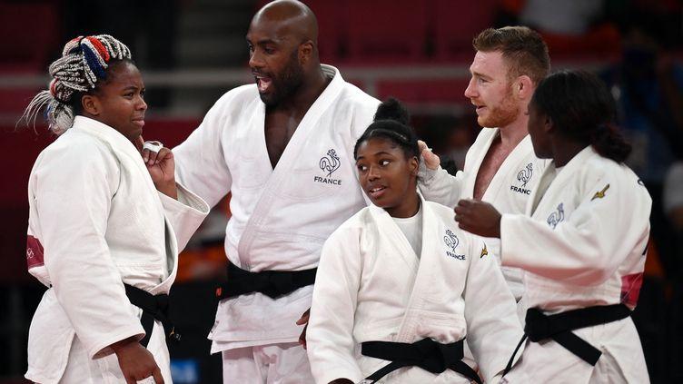 Romane Dicko, Teddy Riner, Axel Clerget et Clarisse Agbégnénou en route pour une médaille, lors des Jeux de Tokyo, le 31 juillet 2021. (FRANCK FIFE / AFP)
