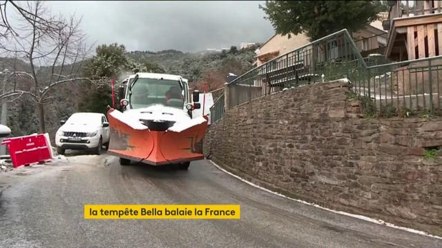 La France balayée par la tempête Bella